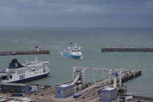 Online counselling, ZOOM therapy, Skype psychotherapy, remote psychotherapy Author: Mike M, Title: Ferry Entering Dover Terminal
